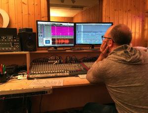 BOOOOM!!! Grüsse aus dem Studio!